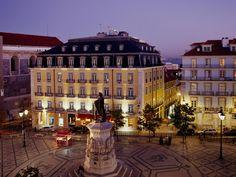 Mitten in der Altstadt von Lissabon liegt das elegante Boutqiue-Hotel Bairro Alto ganz nah am lebendigen Puls der Stadt. Mehr Infos: http://www.itravel.de/Portugal/Bairro-Alto-Hotel/2615/?utm_source=Pinterest&utm_medium=Socialmedia&utm_campaign=Pinterest