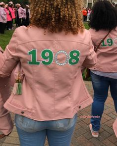 StyleVerde Get your favorite items Shipped FREE t. Aka Sorority, Sorority Life, Sorority Fashion, My Black Is Beautiful, Pretty In Pink, Pretty Girls, Alpha Kappa Alpha Paraphernalia, Alpha Fraternity, Casual Outfits