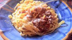 Tagliatelle and ragù alla bolognese: easy and delicious