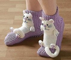 Similar image - Stricken Crochet For Kids, Crochet Baby, Knit Crochet, Knitted Slippers, Crochet Slippers, Slipper Socks, Knitting Socks, Baby Knitting, Knitting Patterns