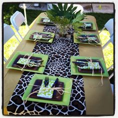 Jungle leaf runner table | ... local fabric store for some jungle inspired fabric to create custom