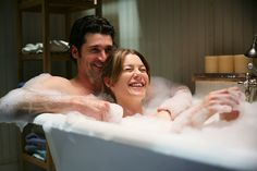 Derek Shepherd and Dr. Meredith Grey Photo - Best TV Couples of All Time - Us Weekly Best Tv Couples, Hot Couples, Movie Couples, Meredith Et Derek, Meredith Grey Hair, Best Tv Shows, Best Shows Ever, Greys Anatomy Couples, Grays Anatomy