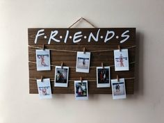 Friends tv show wood polaroid sign / 17 x wood polaroid display with clips / gift for friends / instax mini - People Photos - Ideas of People Photos - FRIENDS TV Show Wood Picture / Polaroid Display with Clips Bff Birthday Gift, Friend Birthday, Diy Home Decor Projects, Diy Room Decor, Polaroid Display, Polaroid Pictures Display, Polaroid Wall, Friends Tv Show, Photo Displays