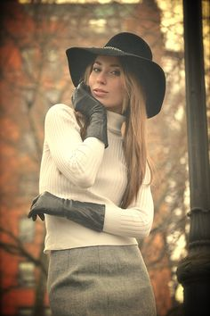 Black Leather Gloves, Long Gloves, Girls Rules, Mademoiselle, Cool Hats, Leather Fashion, Retro Fashion, Fashion Styles, Cosplay Costumes