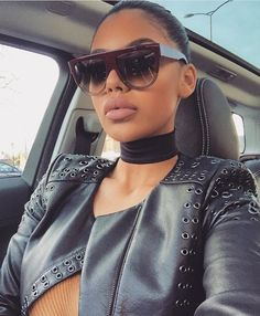 French Style Sunglasses - Awesome World - Online Store - 4 Sunglasses For Your Face Shape, Sun With Sunglasses, Ray Ban Sunglasses, Sunglasses Women, Chanel Sunglasses, Celine, Ray Bans, Shady Lady, Photo Instagram