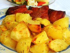Полесен и поедноставен рецепт за подготовка на зачинети печени компири, не веруваме дека ќе најдете. Затоа пробајте го овој испробан рецепт!