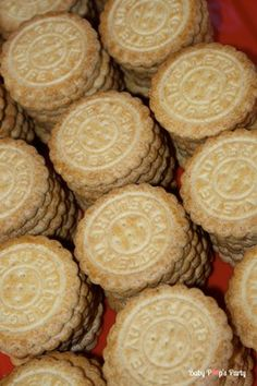Sweet table Merry Christmas - Arbre de noël Toyota - www.babypopsparty.com/en-image Toyota, Cookies, Sweet, Desserts, Image, Christmas Trees, Children, Noel, Crack Crackers