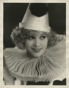 Esther Ralston by Chickeyonthego, via Flickr