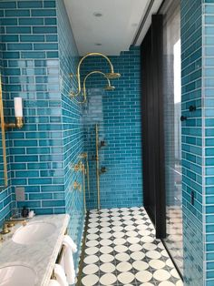 This gorgeous tiled shower is the only bathroom inspo we need. Bathroom Renos, Budget Bathroom, Bathroom Renovations, Small Bathroom, Shower Bathroom, Bathroom Fixtures, Retro Bathrooms, Upstairs Bathrooms, Bathroom Inspo