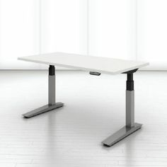 Choose from a variety of height-adjustable mechanisms: incremental, crank, torsion, and electric. Adjustable Height Table, Adjustable Desk, Industrial Office Space, Desk Height, Office Furniture Design, Diy Table, Tool Design, Interior Design, Planes