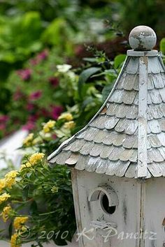 Beautiful Birds, Beautiful Gardens, Diy Garden Fountains, Water Fountains, Bird Boxes, Bird Theme, Small Buildings, Outside Living, Fairy Houses