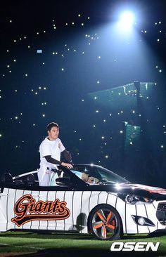 Giants no.2 Cho Sunghwan. Retirement Ceremony.  타팀선수지만 정말 좋아했던 선수.