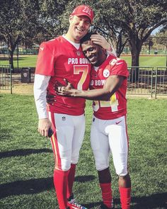 Pro-bowlers and pro-Ballers! Big Ben & AB, much love! Best Football Team, Steelers Football, National Football League, Football Season, Football Players, Steelers Helmet, Here We Go Steelers, Pittsburgh Sports, Nfl History