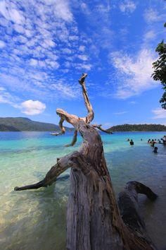 KOH RAWI,TARUTAO NATIONAL PARK,SATUN Strait Of Malacca, White Sand Beach, Beach Fun, Thailand Travel, Amazing Nature, Petra, Beautiful World, Beaches, The Good Place
