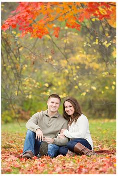 Beautiful Fall engagement session with a picnic blanket. Iowa Wedding Photography | CTW Photography