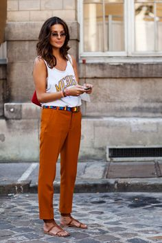 actually love every single thing about this look - especially this belt with the terracotta colored pants!