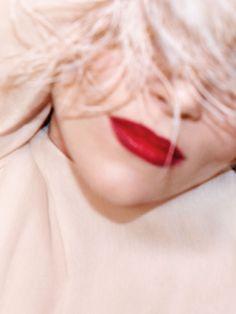 PHOTOGRAPHER: DANIEL JACKSON CELEB: SIENNA MILLER STYLING: ALEX WHITE HAIR: ESTHER LANGHAM MAKE UP: WENDY ROWE NAILS: RICA ROMAIN