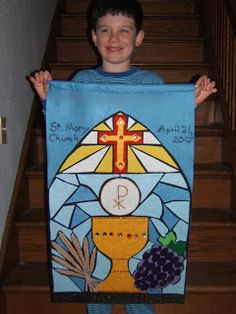 First Communion banner like background First Communion Banner, First Holy Communion, Communion Banners, Plywood Furniture, Craft Projects, Projects To Try, Craft Ideas, Christian Crafts, Eucharist