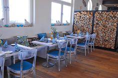 Das Restaurant-Café #Wattkieker in #Harlesiel an der #Nordsee. Unsere #Outdoormöbel haben hier ihr perfektes Zuhause gefunden, im Innenbereich geht's vintagemäßig-maritim zu - mit #Stühlen, #Tische und #Bänken sowie Bargruppen. Eine super Location in bester Lage, der die Touristen wie ein Magnet anzieht!  Stuhlfabrik Schnieder Lüdinghausen. Infos: http://www.schnieder.com/gastronomiemoebel/stuehle/bestuhlung-gastronomie-stuhl-sessel-polsterstuhl-schalenstuhl/stuhl-paolo-11408.html