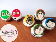 Family and German Shepherd cupcakes (Cupcakes de familia con Pastor Alemán) https://www.facebook.com/ChromatiquePasteleria/