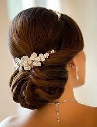Risultati immagini per acconciature semplici capelli sposa 2016