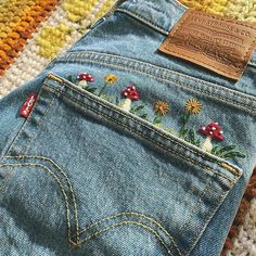 Sew some mushrooms on your jeans for embroidery fun! Flower Embroidery Designs, Couture Embroidery, Simple Embroidery, Diy Embroidery Denim, Vintage Embroidery, Diy Embroidery On Clothes, Embroidery Fashion, Embroidery Ideas, Hand Embroidery