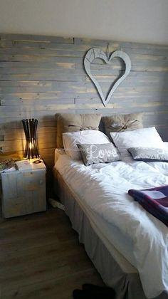 Wood Pallet Bed Headboard #Palletfurniture