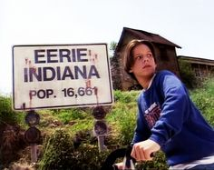 Welcome to Throwback Friday, the weekly article that looks back at classic games and movies. This week we look at the classic TV series, Eerie, Indiana. Disney Channel Shows, Disney Shows, Throwback Friday, Old Disney, 90s Cartoons, 90s Nostalgia, 90s Kids, 80s Kids Shows, Classic Tv