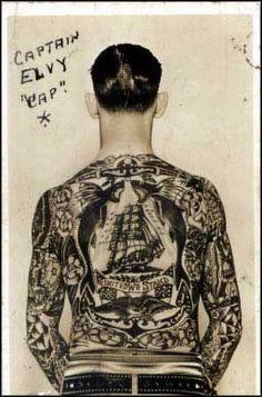Tattoos von Bert Grimm an Captain Elvy ca. 1930