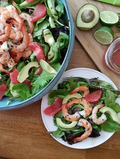 Simple Grapefruit Vinaigrette Salad Dressing http://cleanfoodcrush.com/grapefruit-vinaigrette/