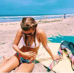 Imagem de beach, summer, and girl