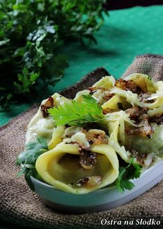 RACUCHY BUDYNIOWE Z BANANAMI Tortellini, Ricotta, Ethnic Recipes, Food, Diet, Meal, Essen, Hoods, Meals