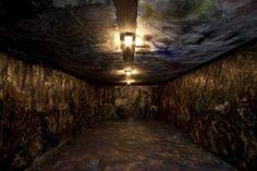 Pinot Gallizio, Caverna dell'antimateria, 1958-59. Tecnica mista su tele (olio, resine plastiche, solventi, pigmenti, fili di ferro). Copyright ZEPstudio