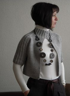 I'm just turn into a crochet fan Knitting Stitches, Free Knitting, Baby Knitting, Baby Cardigan, Diy Kleidung, Crochet Poncho, Knit Fashion, Crochet Clothes, Cardigans For Women