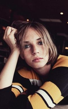 ユマ・サーマンとイーサン・ホークの娘がモデルデビュー。ショートムービーも素敵