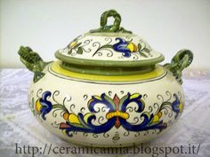 Ricco Deruta sulla zuppiera di #ceramica, #maiolica #Italy http://ceramicamia.blogspot.it/2012/07/ricco-deruta-sulla-zuppiera-di-ceramica.html
