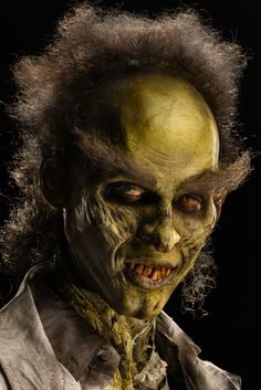 Face Off Pictures - View galleries of every episode. See photos from Face Off episodes and see the latest cast photos and more on SYFY! Movie Makeup, Scary Makeup, Sfx Makeup, Special Makeup, Special Effects Makeup, Weird Fears, Face Off Makeup, Face Off Syfy, Up Halloween Costumes