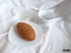 Celozrnné pečivo Ručně šité dalamánky do dětské kuchyňky nebo obchůdku. velikost9cm Cena je za 1 kus pečiva. Celou nabídku šitých jídel najdete ZDE.  Výhradním majetkem- nelze kopírovat!