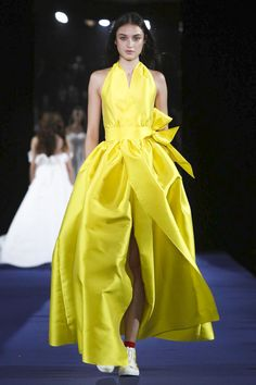 9dce16591c7c Alexis Mabille Ready To Wear Spring Summer 2017 Paris