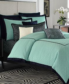 Vince Camuto Home Devon Full/Queen Comforter Mini Set