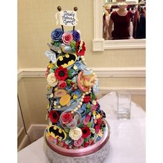 Compromise Cake | 26 Nerdy Wedding Cakes to Geek Out Over