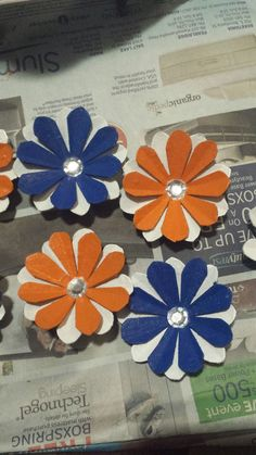 Egg carton flowers... Love these!