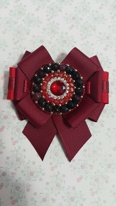 Ribbon Jewelry, Ribbon Art, Ribbon Bows, Diy Flowers, Vintage Flowers, Fabric Flowers, Brooches Handmade, Handmade Jewelry, Necktie Quilt