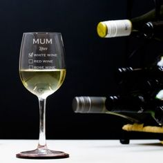 Engraved Crystal Wine Glass - Classic Frame Design for Couple Personalised Glasses, Personalized Mother's Day Gifts, Engraved Wedding Gifts, Engraved Gifts, Mother Of The Groom Gifts, Bride And Groom Gifts, Usher Gifts, Wine O Clock, Romantic Gifts