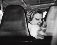 Omg how could such an adorable human exist Titanic, Beautiful Boys, Pretty Boys, Leonardo Dicapro, Young Leonardo Dicaprio, Johny Depp, Def Not, Belle Photo, Cute Guys