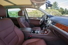 2015_Volkswagen_Touareg_V6_Sport_4dr_SUV_AWD_36L_6cyl_8A_5181006.jpg 1600×1067 pixels
