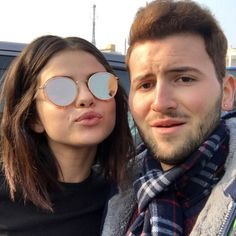 January 29: Selena with a fan in Florence, Italy (credit: fabio0096)