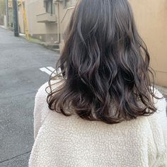 Spring Hairstyles, Permed Hairstyles, Balayage Brunette, Balayage Hair, Medium Hair Styles, Curly Hair Styles, Hair Arrange, Short Wavy Hair, Ombre Hair Color