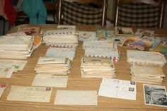 HUGE lot WWII LETTERS LOVE V MAIL ARMY 375+ CORRESPONDENCE 1942-45 CARDS + (That's so cool!!!)