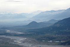 Φώτο από Μετέωρα! Κάτω Καλαμπάκα και στο βάθος η Νότια Πίνδος Mount Everest, Mountains, Nature, Travel, Viajes, Traveling, Nature Illustration, Off Grid, Trips